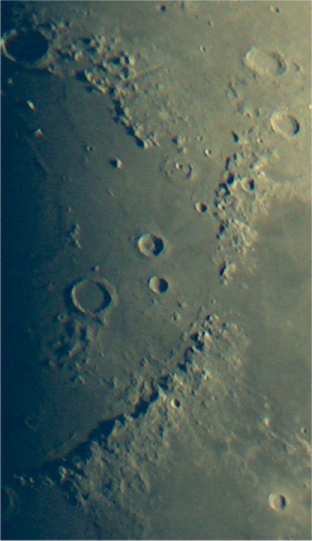Mond14-7-05-1.jpg