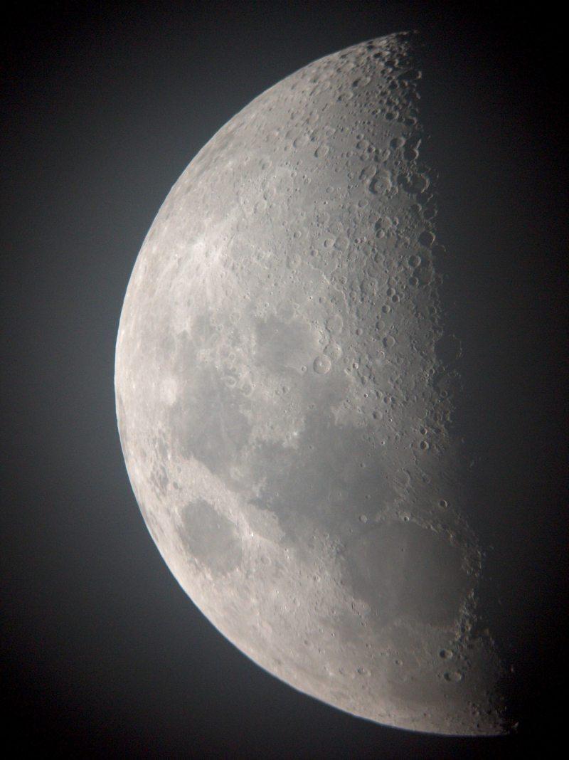 Mond17-3-05-1.jpg