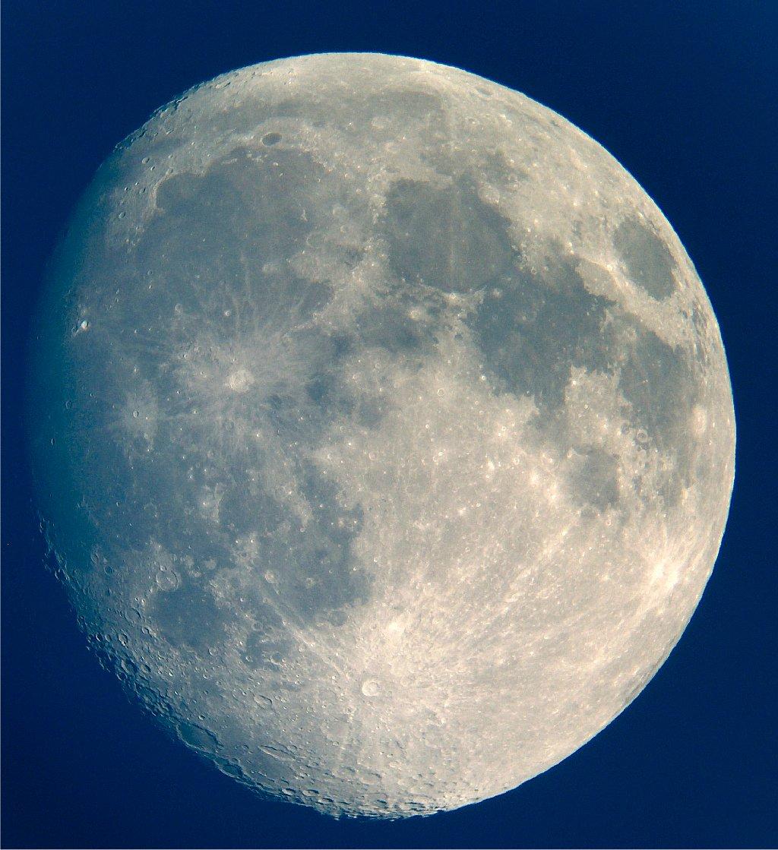 Mond21-4-05.jpg