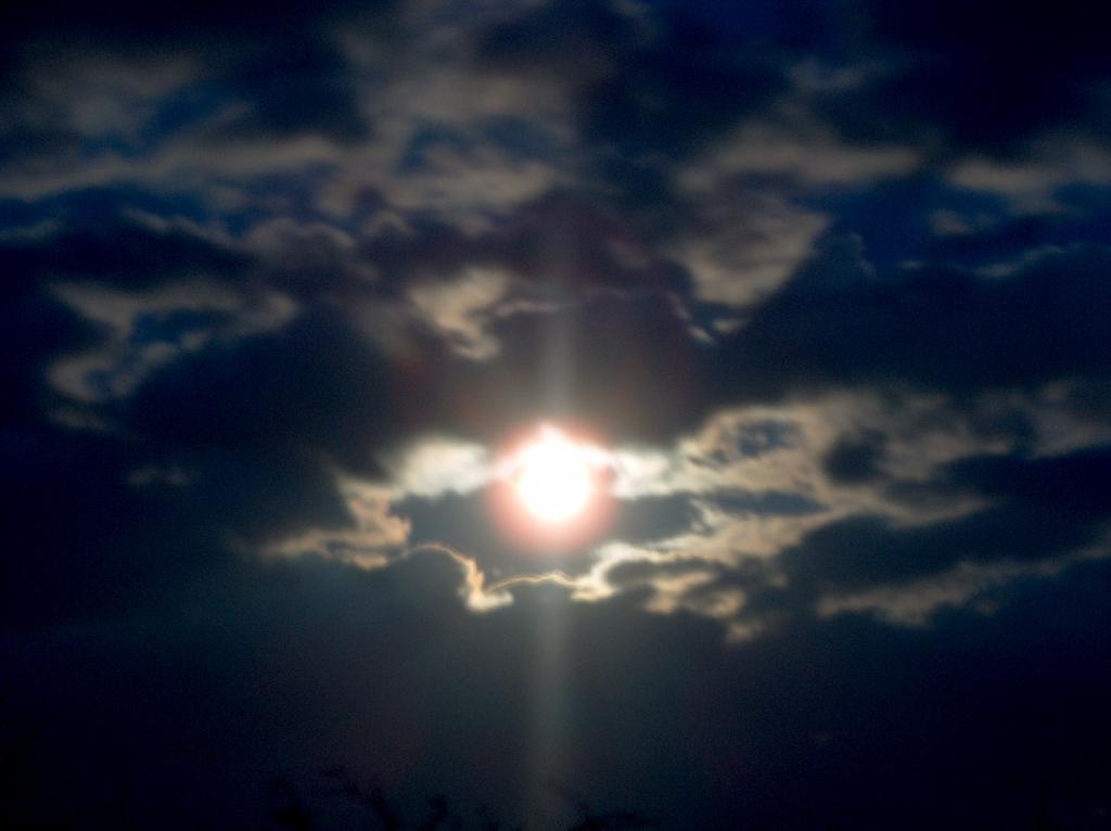 Mond25-3-05.jpg